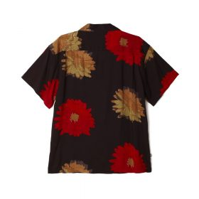 Now in stock the Obey Lou Woven Shirt REGULAR FIT. FLORAL PRINTED RAYON SHIRT. 100% VISCOSE SKU: 181210279 Nu op voorraad de Obey Lou Woven Shirt